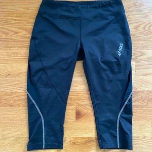 Asics Black Crop pants / biker shorts
